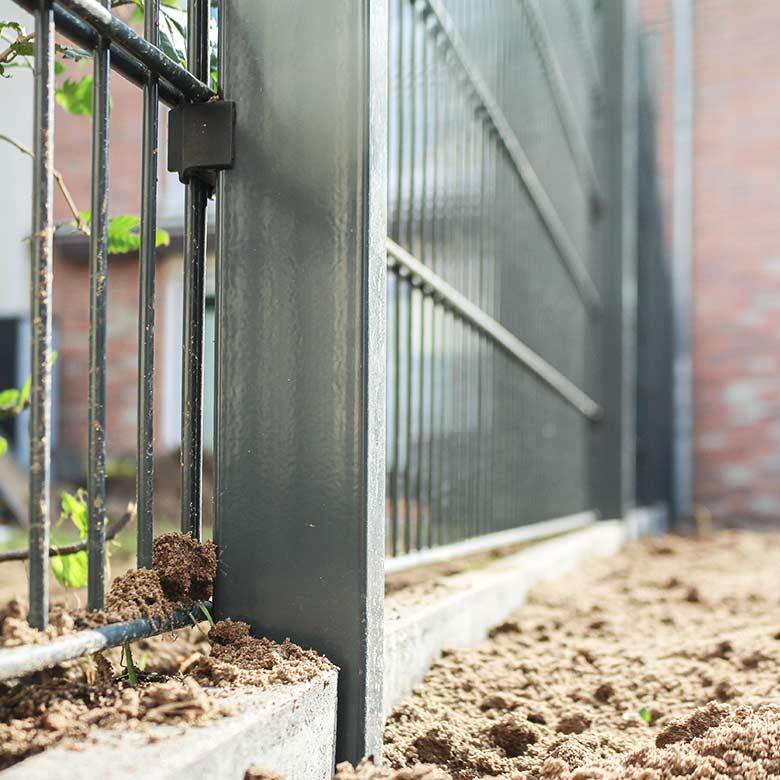 gaertnerei-hinze-gartenlandschaftsbau-leistung-zaunbau